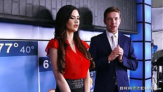 Brazzers - Hot doctor Monique Alexander