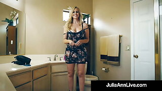 Fan Fuck! Lucky Cock Bangs Beautiful Busty Cougar Julia Ann!