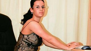 Hot secretary wanks her pussy in office